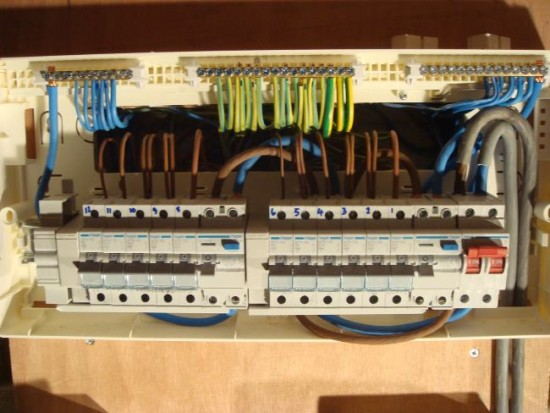 do you need to replace your fusebox? r d nelmes electrical